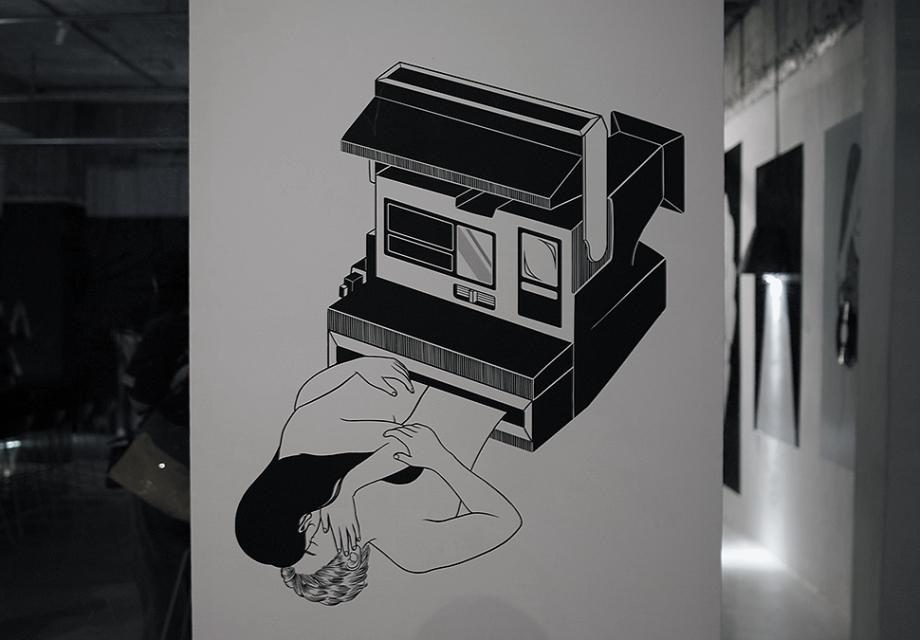 [전시 리뷰] 흑백의 세상, 헨킴 <미지에서의 여름>展