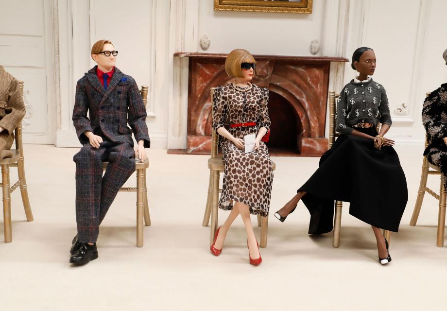 코로나 시대의 패션쇼, 인형극의 귀환